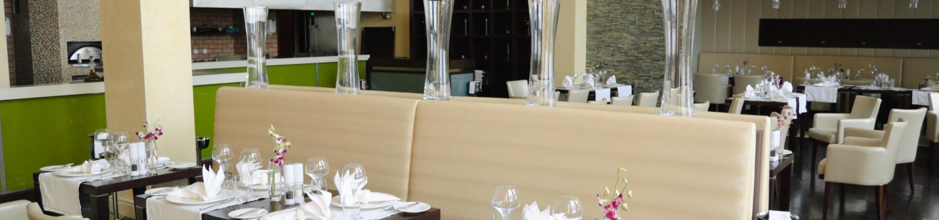 Gedekte tafel in restaurant