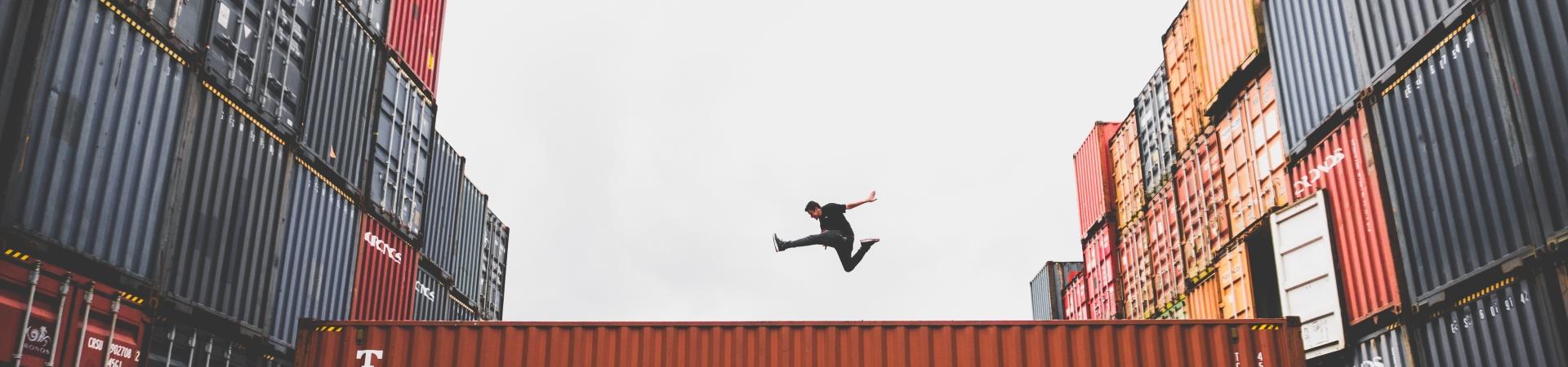Springen en landen als metafoor voor een Landingspagina (foto: Kkaique Rocha)